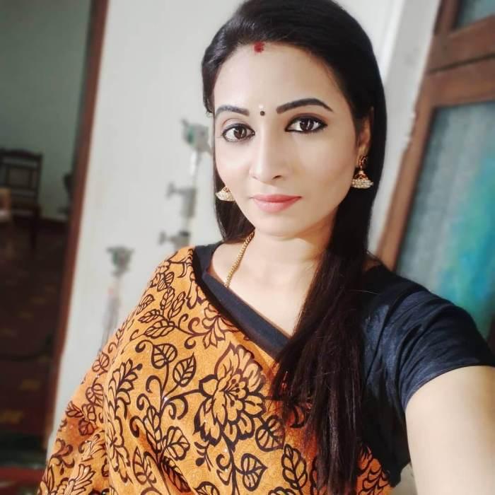 Bharani Elangovan Wiki, Biography, Age, Movies, Images