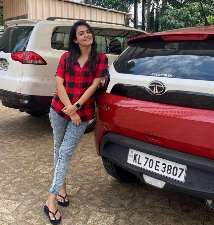 Aparna Das (Thalapathy 65) Wiki, Biography, Age, Movies, Images