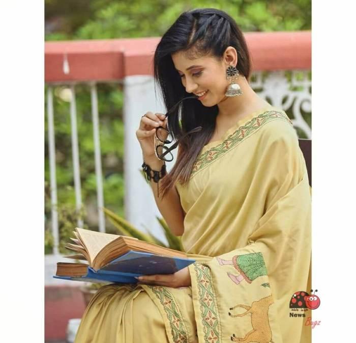 Aditi Bhadra Wiki, Biography, Age, Family, Images
