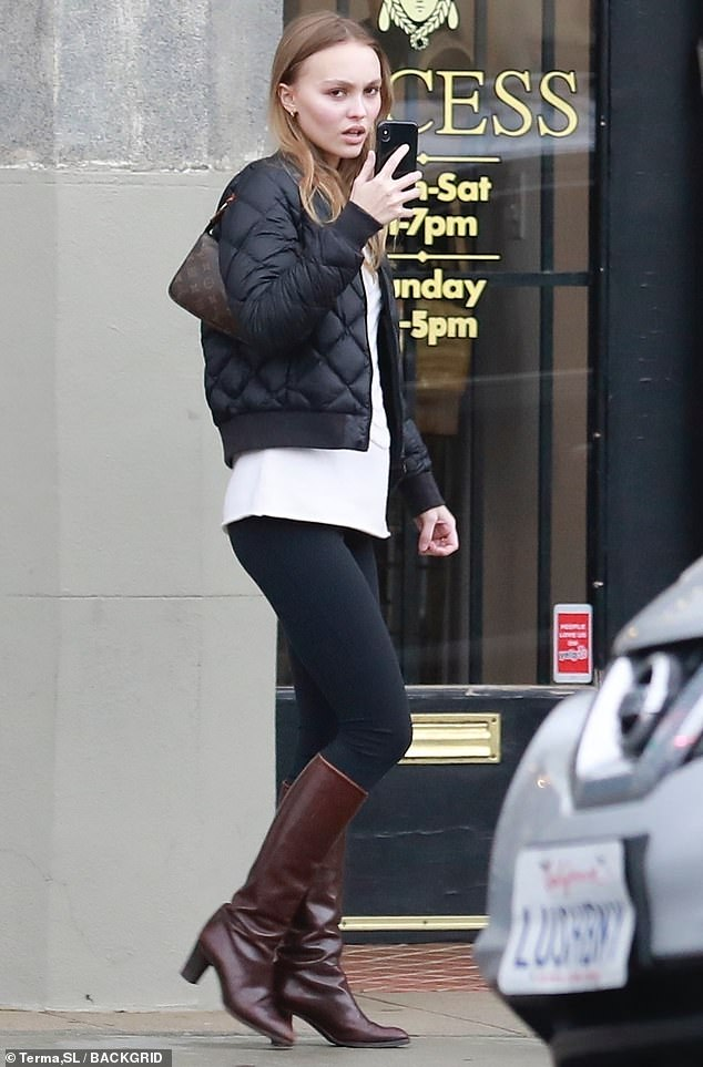 e1fa38f1f8c3 Retail therapy  Lily-Rose Depp was casual and chic while doing a bit of