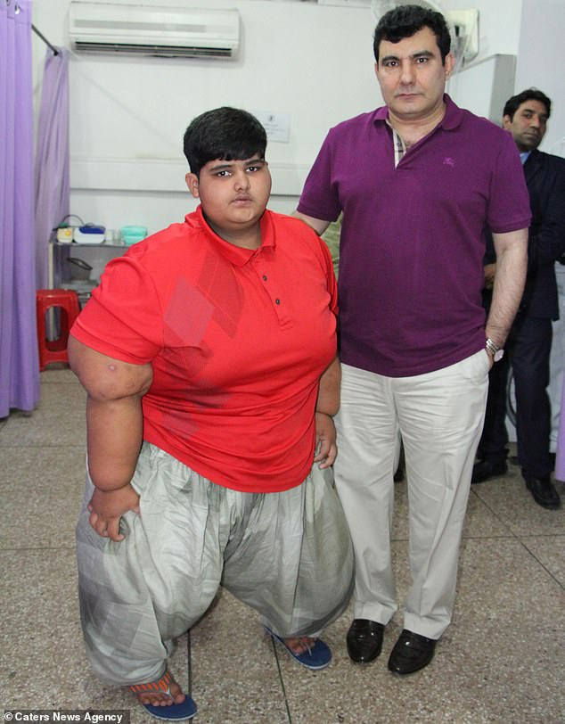 The country's best-known bariatric surgeon, Dr Maaz ul Hassan, pictured together, has agreed to operate on Mohammed