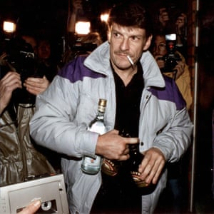 Christer Pettersson, returning home after being acquitted on appeal for Palme's murder.