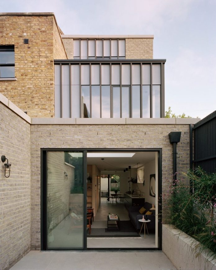 Corner House by 31/44 Architects courtyard