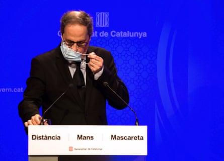Quim Torra informs about coronavirus situation in Cataloniaepa08568494 Catalan regional President Quim Torra addresses a press conference in Barcelona, Spain, 27 July 2020, to inform about the coronavirus situation in the region. EPA/ENRIC FONTUCEBRTA