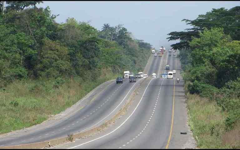 Scores including children feared dead in auto crash along Enugu, Okigwe road