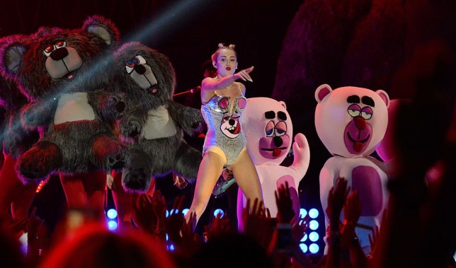 NEW YORK, NY - AUGUST 25: Miley Cyrus performs during the 2013 MTV Video Music Awards at the Barclays Center on August 25, 2013 in the Brooklyn borough of New York City. (Photo by Kevin Mazur/WireImage for MTV)