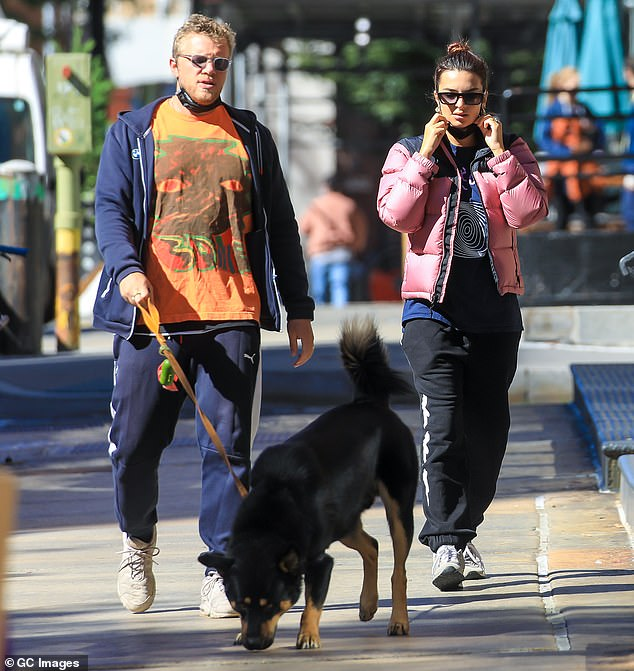 Her spouse:The I Feel Pretty actress looks to be over four months along; the father is her movie producer husband Sebastian Bear-McClard. Seen in early October