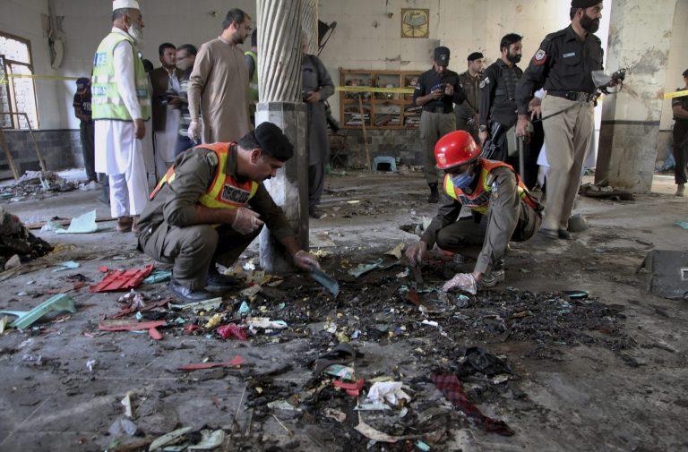 Bomb at seminary in Pakistan kills 7 students, wounds 112