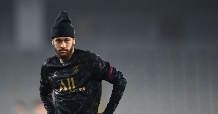 Neymar 'prioritises' new five-year PSG deal as he gives up on Barcelona return