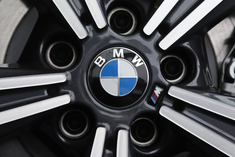 Luxury vehicles, recovering auto markets boost BMW profits