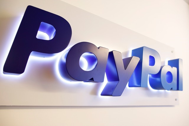 © Reuters.  PayPal Holdings Inc Earnings, Revenue beat in Q3