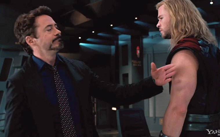 Tony Stark/Iron Man (Robert Downey Jr.) e Thor (Chris Hemsworth)