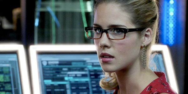 7Felicity-Smoak-Is-Possibly-Oracle-In-Arrow