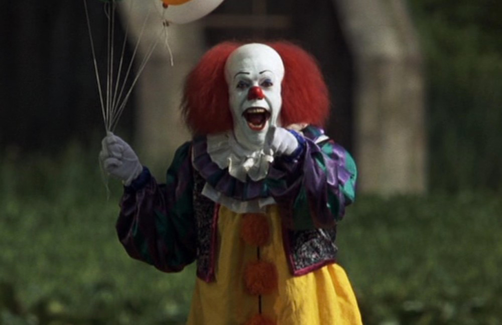 IT: Tim Curry parla del suo iconico Pennywise in una nota audio del 1990