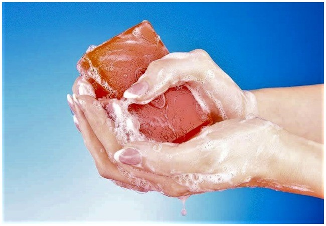 Why medicated, antiseptic, liquid soaps are bad for skin –Dermatologist -