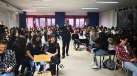 """VENAFRO: A scuola con i Carabinieri: la """"cultura della legalità"""" spiegata agli studenti."""