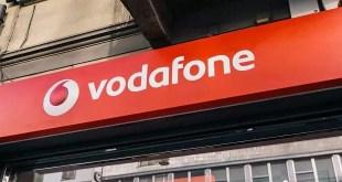 """Vodafone celebra il Black Friday con le offerte """"Red Friday"""""""