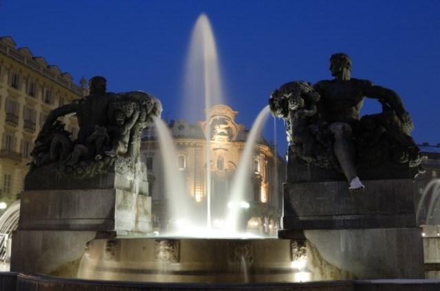Фонтан ангелов в Турине Белая и черная магия