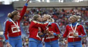 Поцелуй российских спортсменок