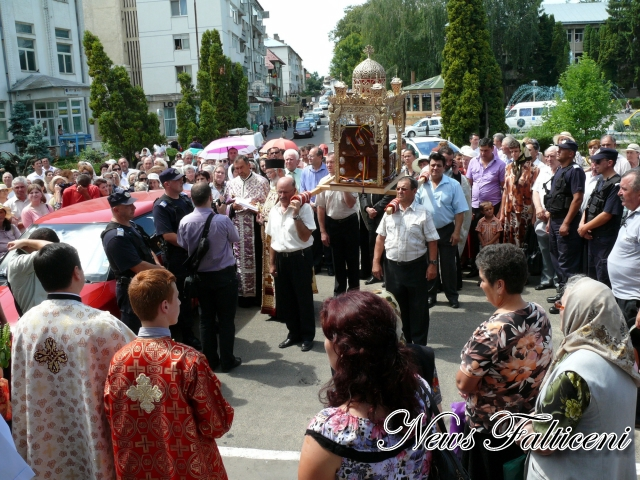 procesiune oprire Biserica Adormirea