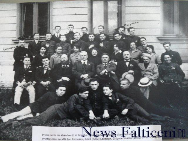 Falticeni-prima promotie de absolventi