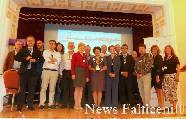 Falticeni-finalul Conferintei_delegatii participante