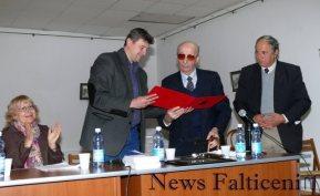 Falticeni-Acordarea diplomei Meritul Falticenean