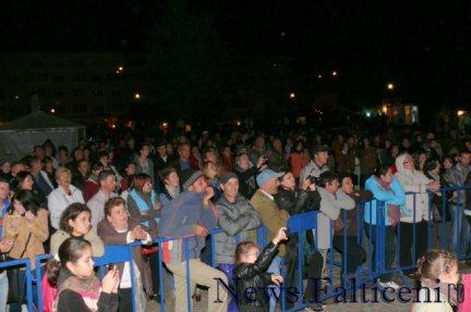Falticeni-Spectatori folk