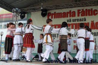 Falticeni-spectacol folcloric 3