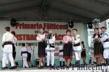 Falticeni-spectacol folcloric 8
