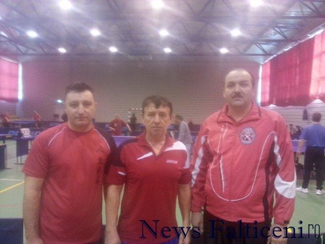 Falticeni-Rusus Radu stanga Nicolae Bujoreanu in mijloc Nelu Aldea dreapta
