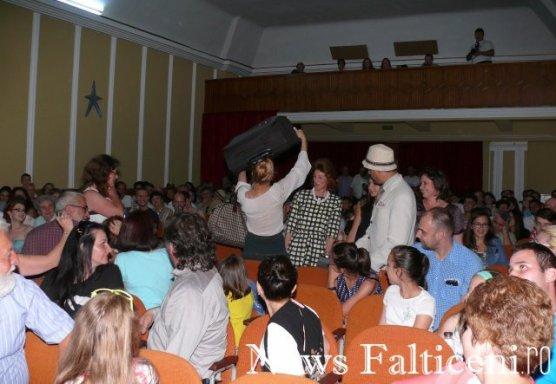 Falticeni-Spectacol teatru 1