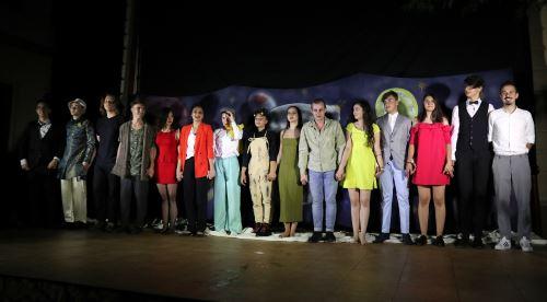 Trupa Birlic cu regizor scenograf si muzician