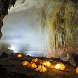 Θαύμα της Φύσης: Συναρπαστικές εικόνες από το μεγαλύτερο σπήλαιο του κόσμου που έχει το δικό του κλίμα!