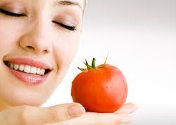 Υγεία: Απαλή μάσκα ντομάτας για τους πόρους