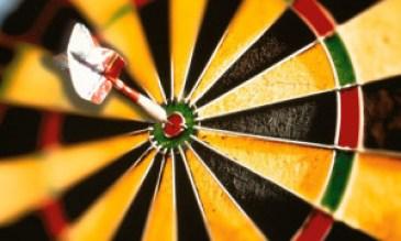 dart-hitting-dart-board-b-006
