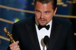 Leonardo-DiCaprio-holds-the-Oscar-for-Best-Actor-for-the-movie-The-Revenant-at-the-88th-Academy-Awards-in-Hollywood
