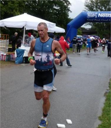 Bild zu Bob Orton unterbietet alle Ironmanzeiten im Kreis Celle = Kreisrekord! (30.7.2011 )