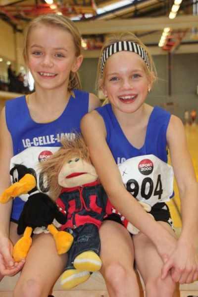 Bild zu Paarlauf der Zwerge war der Höhepunkt!  (7.12.2011 )