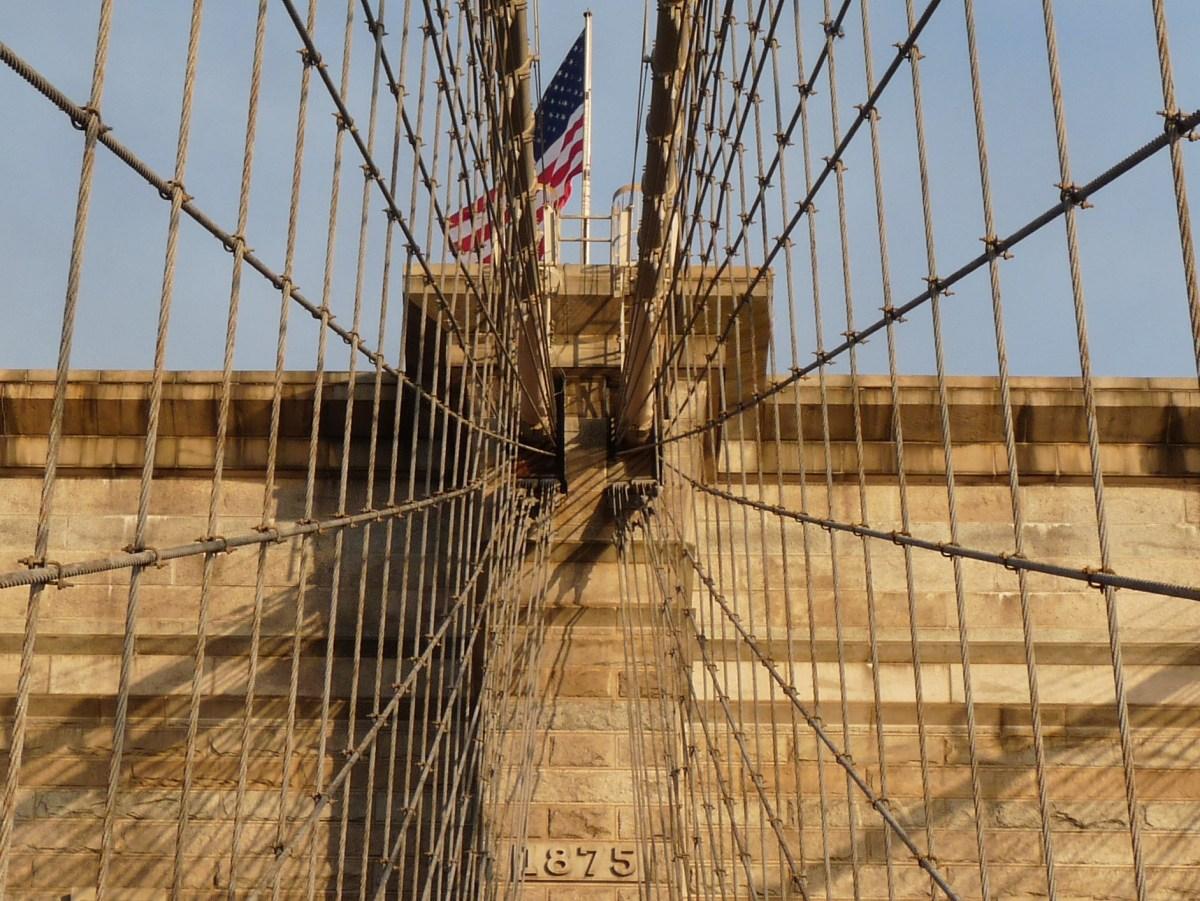 Puente de Brooklyn al amanecer