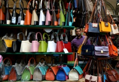 AFP/File / Tiziana Fabi Australian police charge a woman with fraud after she allegedly spent US$3.4 million that her bank mistakenly gave her, with much of the money reportedly lavished on handbags