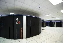 Photo taken on June 16, 2016 shows Sunway TaihuLight, a new Chinese supercomputer, in Wuxi, east China's Jiangsu Province. Performing 93 quadrillion calculations per second, Sunway TaihuLight dethroned China's Tianhe-2 from the top in a list of the 500 most powerful supercomputers in the world.[Photo/Xinhua]