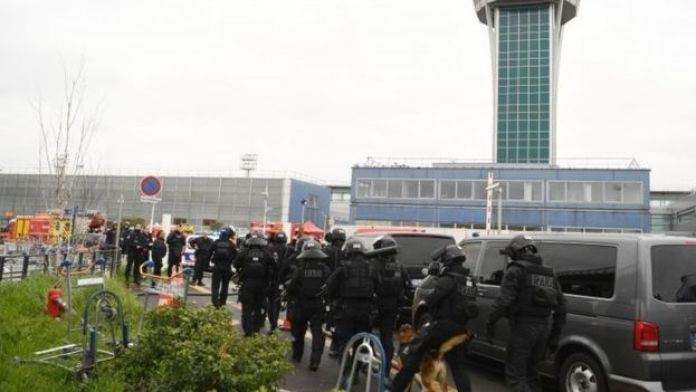French Police unit secure Orly airport (18 March 2017)