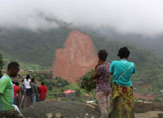 Hundreds are reported dead with many more missing after mudslides and floods tore through several communities in Freetown, Sierra Leone. Photo: UNICEF 2017