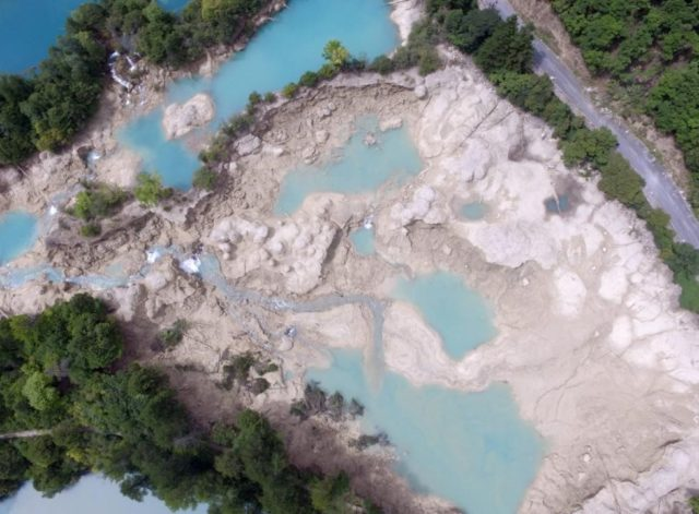 Arial view of the Jiuzhaigou scenic area after the magnitude-7.0 quake hit the area. (Photo from CFP)
