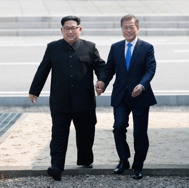 South Korean President Moon Jae-in (R) meets with top leader of the Democratic People's Republic of Korea (DPRK) Kim Jong Un in the border village of Panmunjom on April, 27, 2018. (Xinhua/Inter-Korean Summit Press Corps)