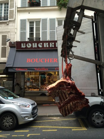 Delivery on Rue des Martrys