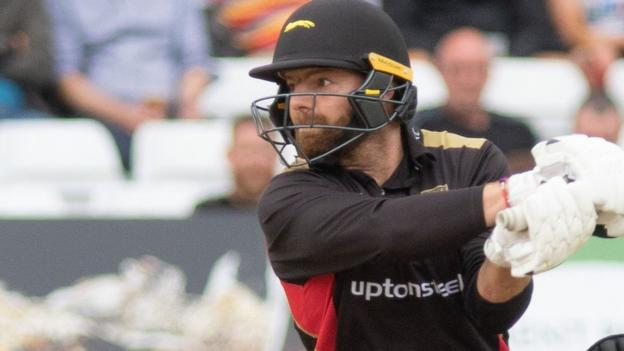 T20 Blast: Leicestershire Foxes dominate Notts Outlaws to