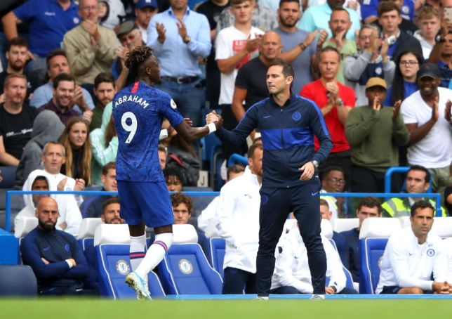 Frank Lampard shakes hands with Tammy Abraham after his substitution against Sheffield United