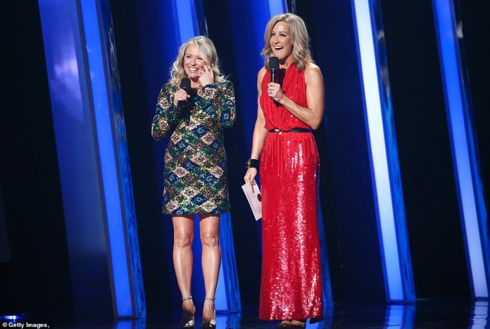 Presenters: The award was presented by Good Morning America's Lara Spencer and Deena Carter, who won that same award for Strawberry Wine in 1997